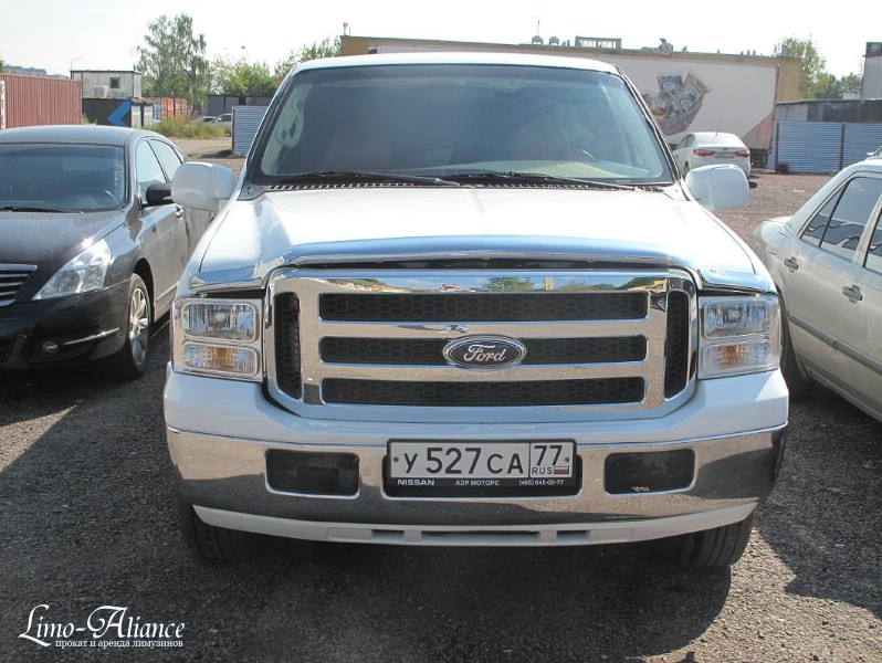 Аренда лимузин Ford Excursion №527 28-30 мест