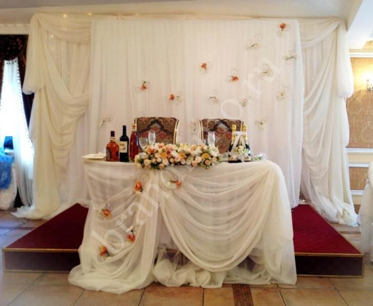 Украшение свадебного стола молодоженов своими руками фото
